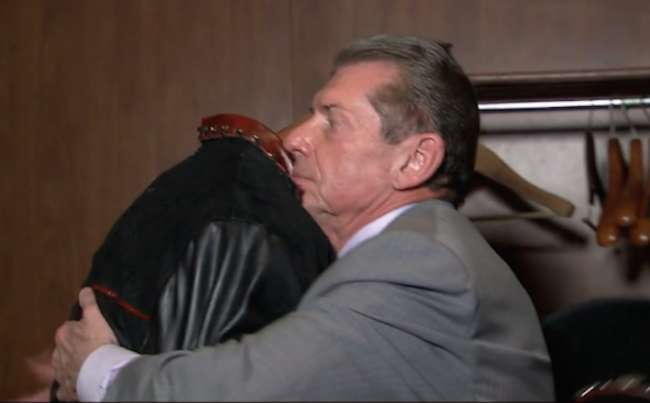 undertaker_and_vince_mcmahon_embrace-1491329827-800 (1)