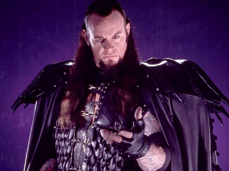 the-undertaker-4-1491329871-800