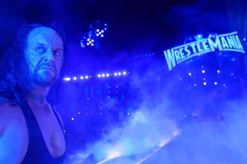 http___hypebeast_com_image_2017_04_the-undertaker-says-goodbye-wrestlemania-33-1-1491329999-800