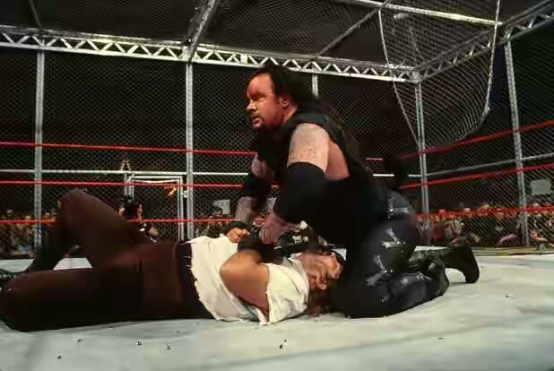 undertaker-vs-mankind-1459252127-800