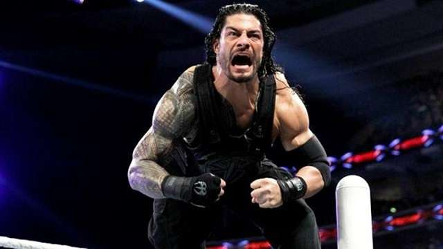 roman-reigns-flexes-his-muscles-before-a-wrestling-match-1471660527-800