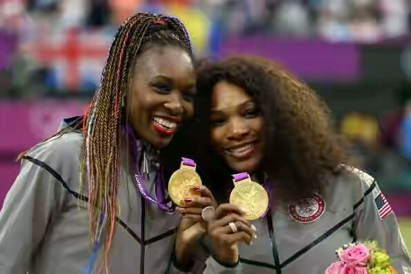 149856965-gold-medalists-serena-williams-of-the-united-gettyimages-1471854913-800