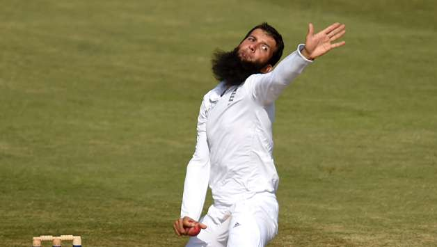 england-bowler-moeen-ali-in-action-during-day-four-of-the-3rd-investec-test-match-between-england-and-india1-1477833316-800